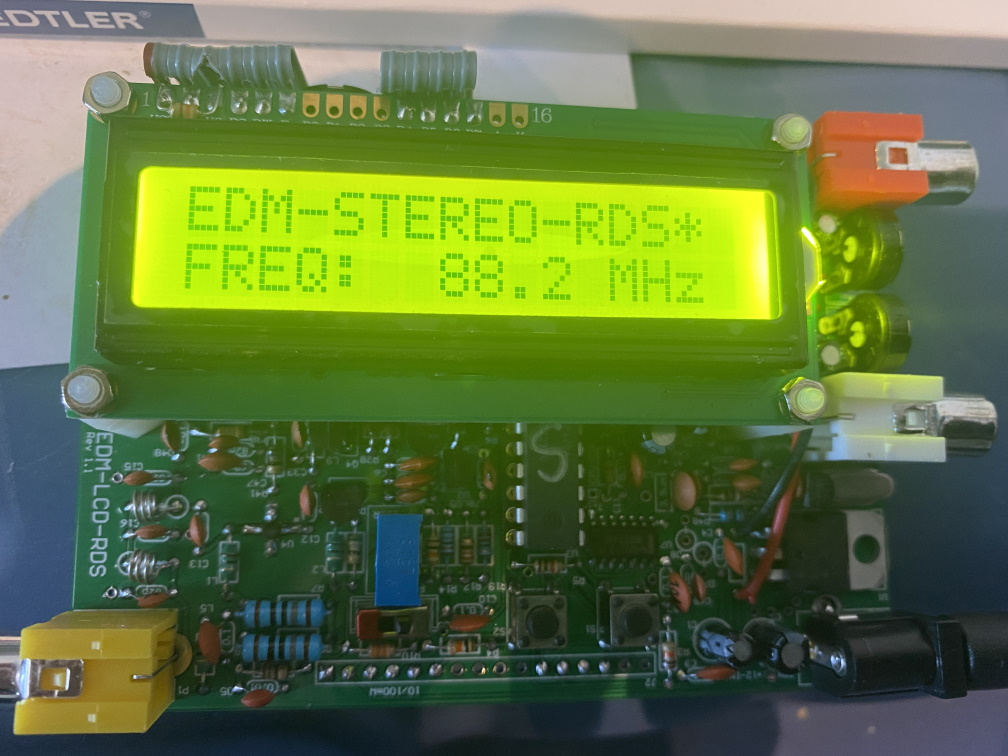 Assembling EDS FM Transmitter